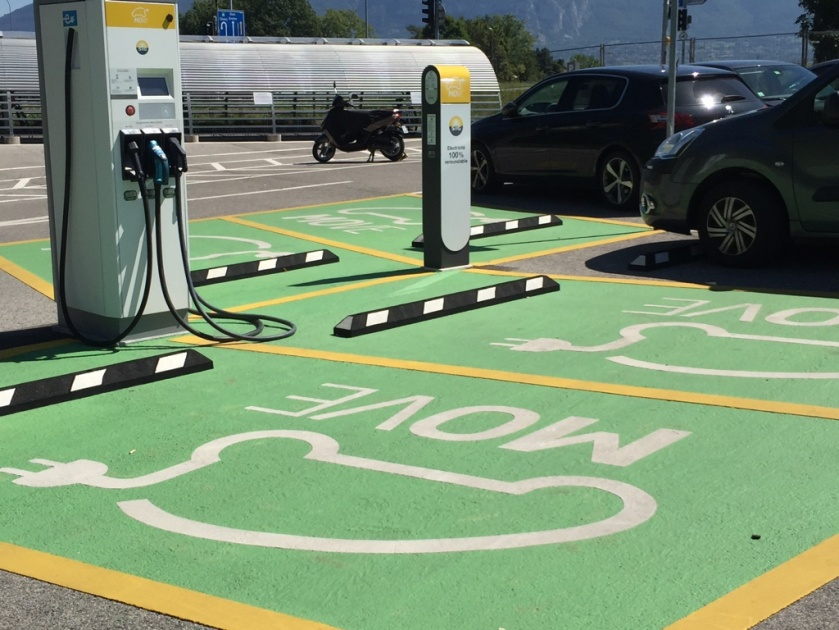 電気自動車駐車スペース